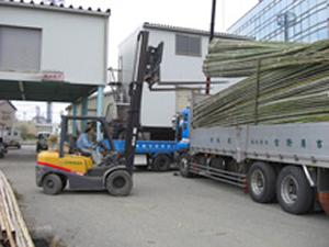 竹材生産者より仕入れる各種竹材